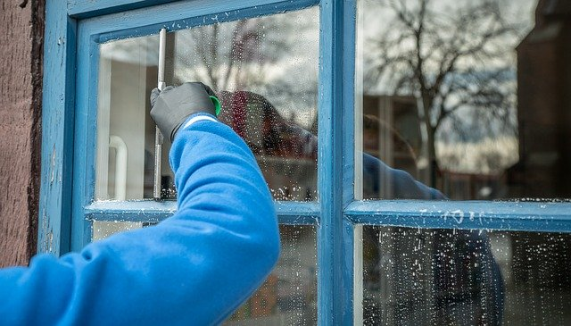 Pomona Cleaning Services window cleaner